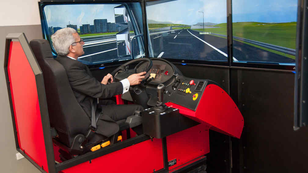 El primer simulador de manejo de camiones lleg a c rdoba for Lavoz del interior cordoba