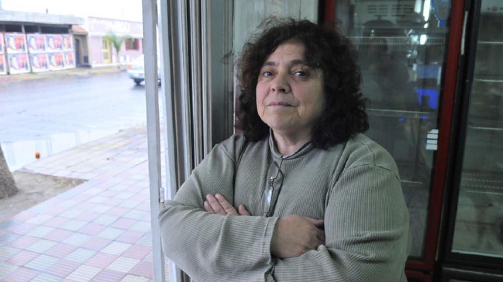 """Expectante. """"Maylena"""" no tiene trabajo y ya no puede pagar una cobertura social. Espera precisiones (Ramiro Pereyra/LaVoz)."""