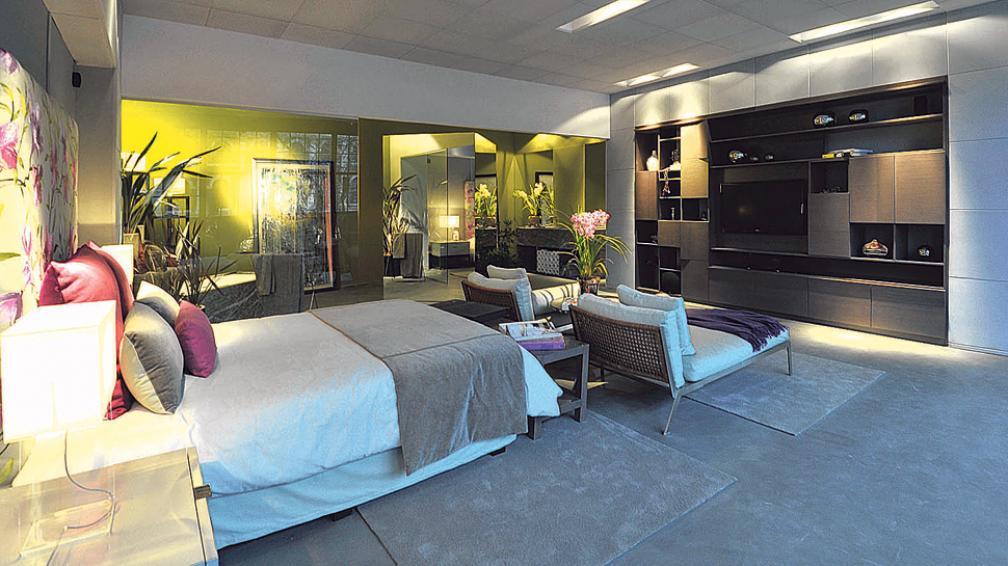 Loft con baño. Diseñado bajo los conceptos del Feng Shui, donde dormitorio, estar y baño interactúan en un mismo espacio. Obra de Danny Pierini y Teresita Bermúdez (Roger Berta).