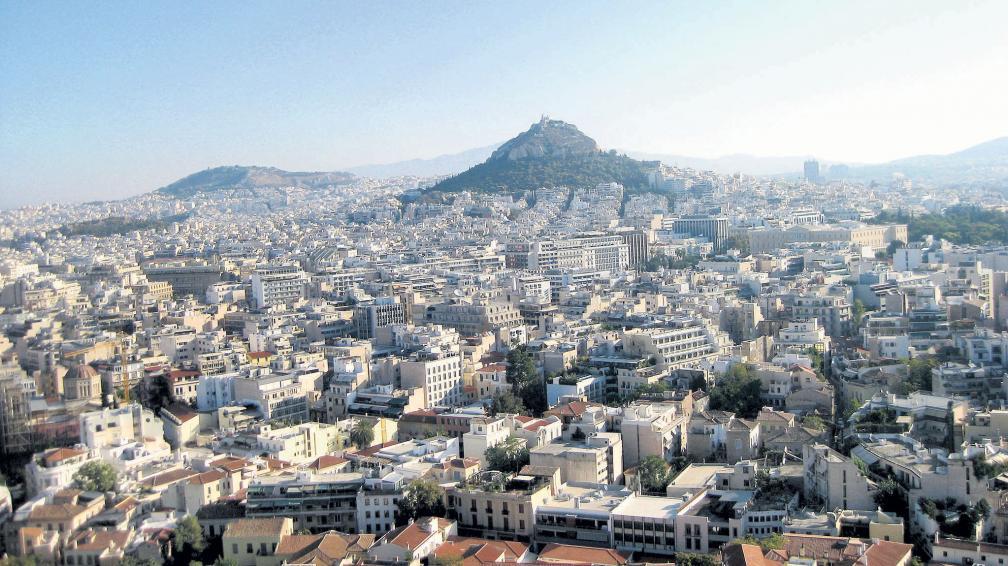 La ciudad de Atenas vista desde la Acrópolis, construida hace más de 2.500 años (gentileza Cecilia Rial Fichmam)..