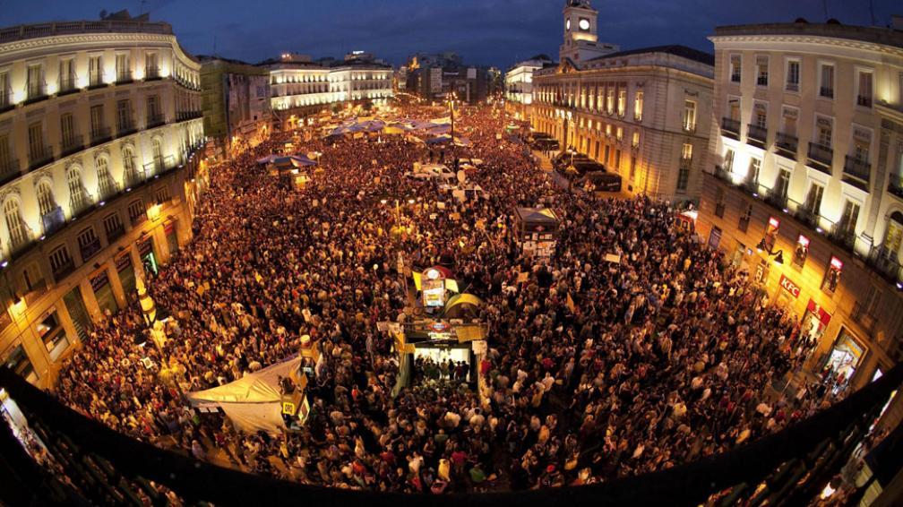 El origen. El movimiento de indignados que es fenómeno mundial arrancó en la Puerta del Sol de Madrid (AP).