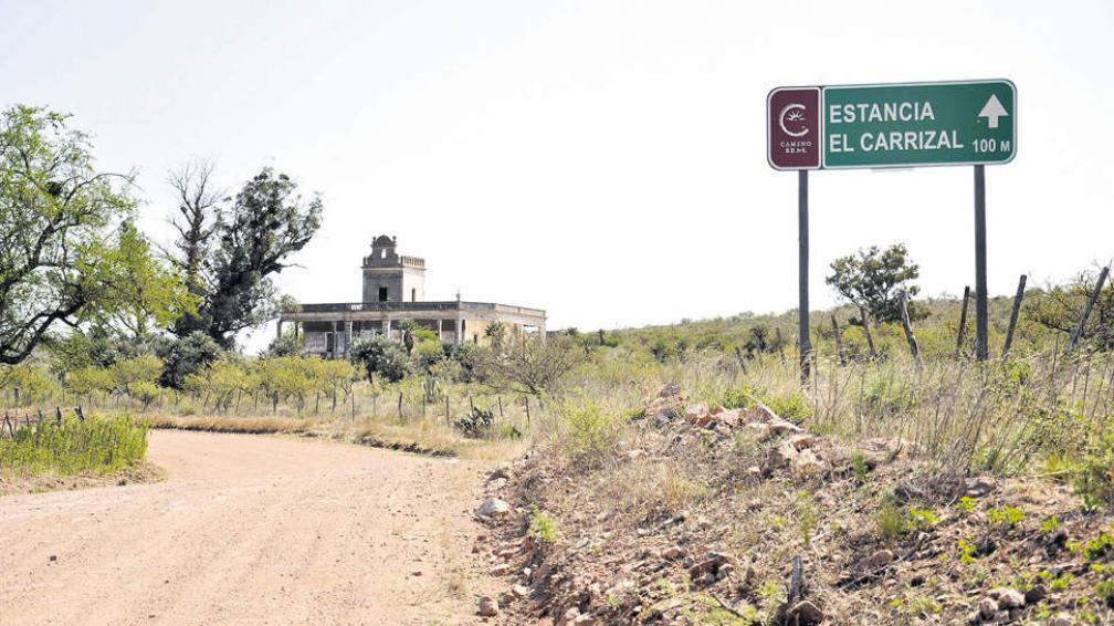 Castillo El Carrizal. Los tiempos de esplendor de la colosal construcción ya forman parte de la historia. Patrimonio en vías de extinción.