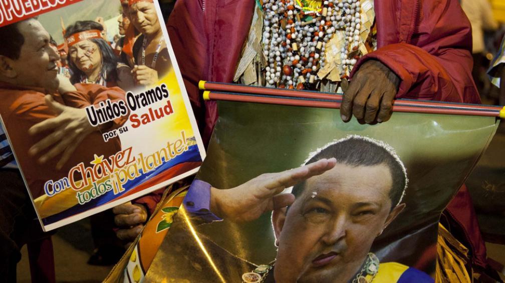 Ritos. Chamanes venezolanos se reunieron para pedir una pronta recuperación del mandatario (AP).