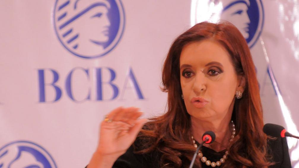 CRISTINA. La Presidenta anunció el pago del Boden 2012 y aumento a jubilados (DyN).