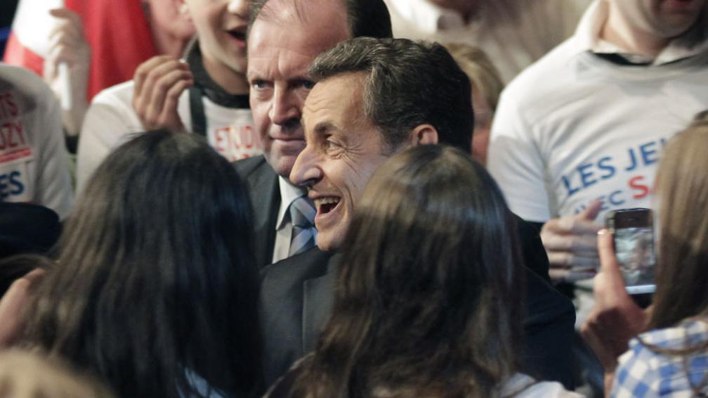 Cambio. Sarkozy ahora critica la rigidez de las reglas sobre el déficit (AP).
