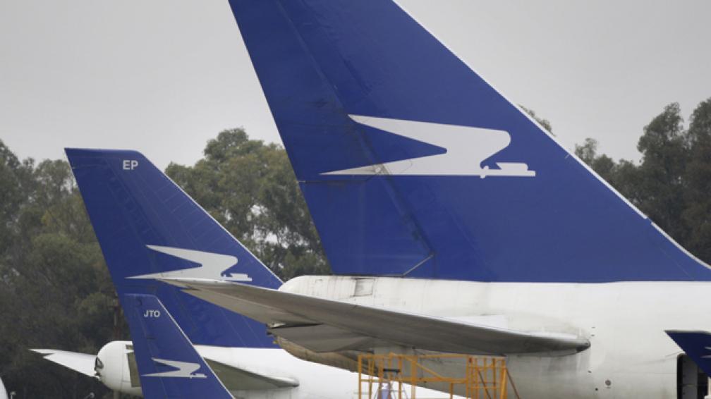AEROLÍNEAS. Las demoras y cancelaciones afectan a cientos de pasajeros.