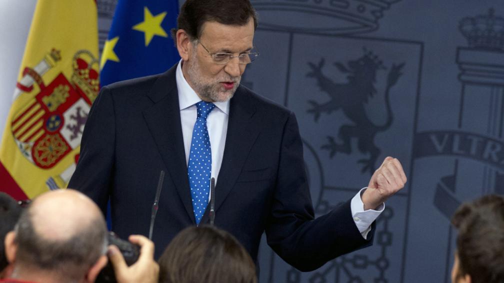"""Conferencia. """"No tengo tomada ninguna decisión"""", aseguró Rajoy con respecto al pedido de rescate (AP)."""