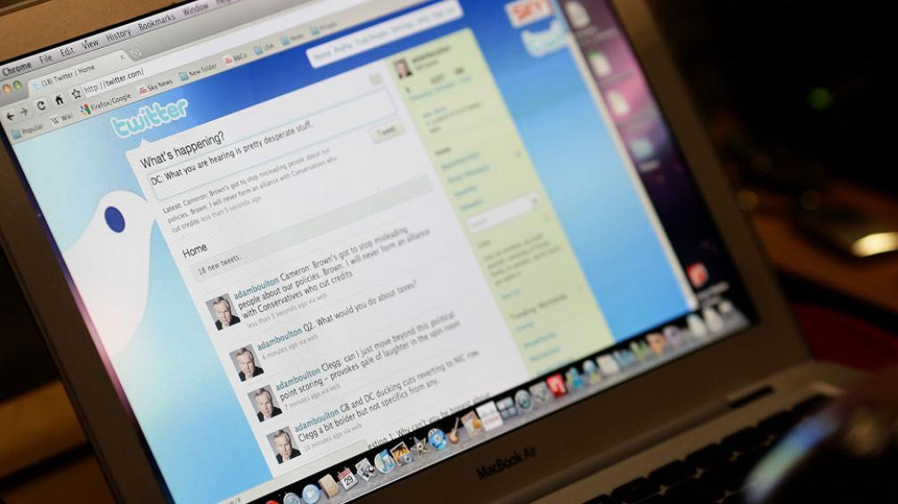 TWITTER. La red social brinda mayores posibilidades a los anunciantes de llegar a sus públicos (AP / Archivo).
