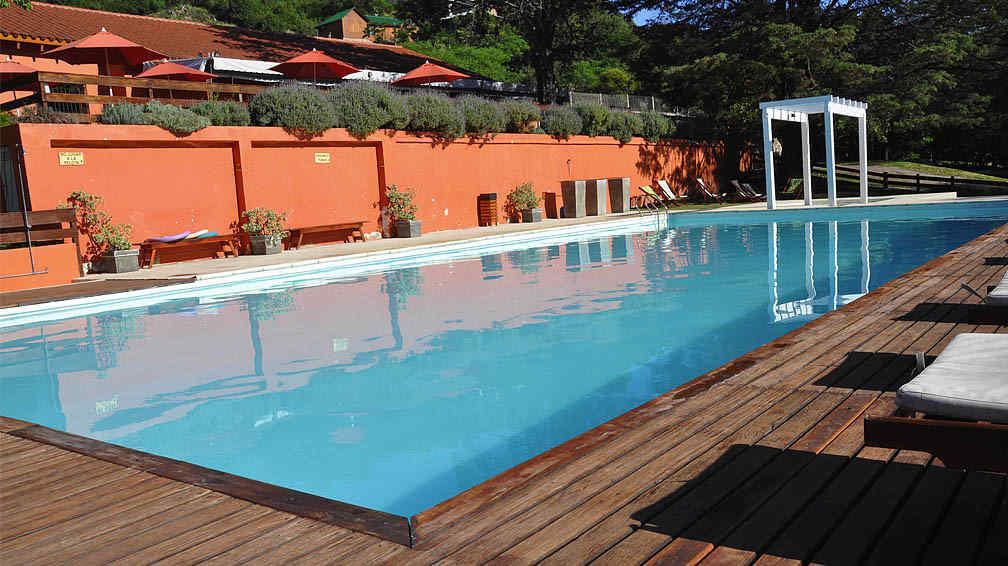 Conservar el agua de la piscina la voz del interior - Agua de la piscina turbia ...