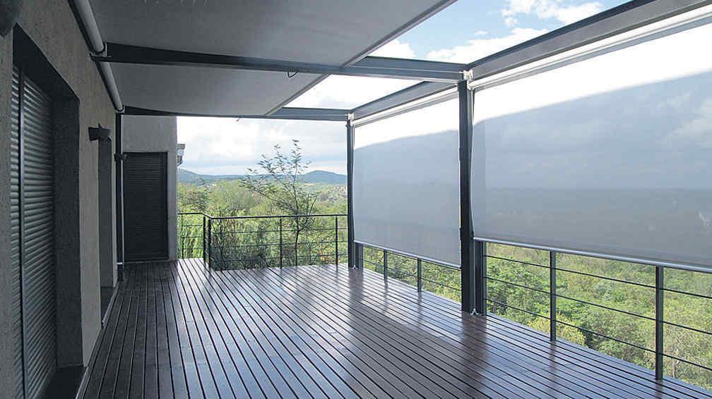 Cerramiento de lona una soluci n para ganar espacio la for Toldos verticales transparentes precios