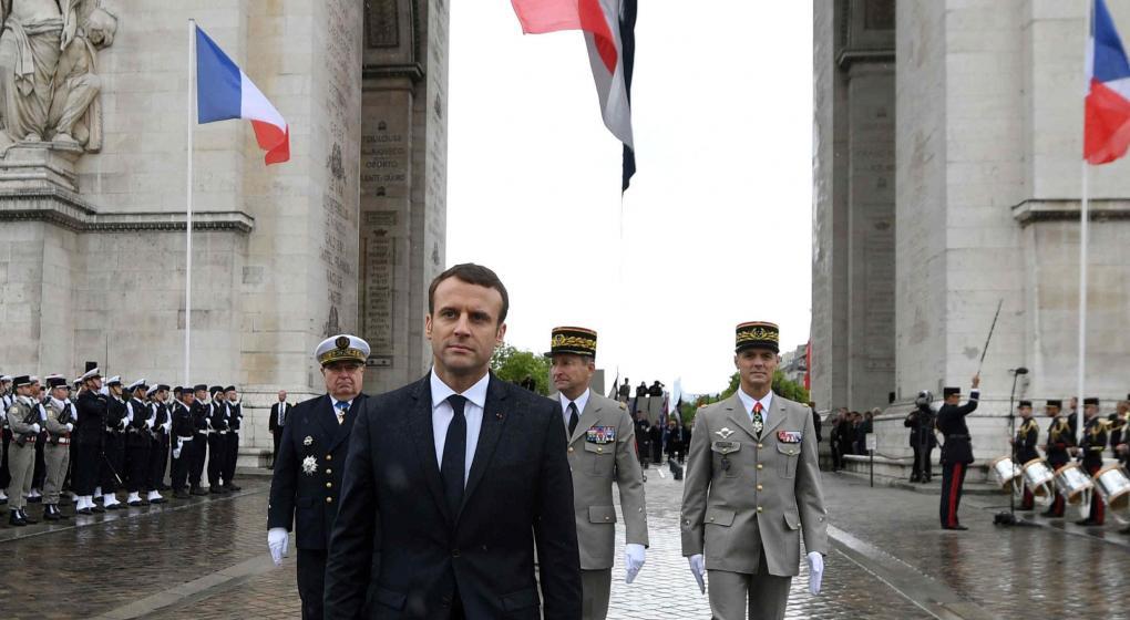 Macron promete relanzar y refundar el proyecto europeo