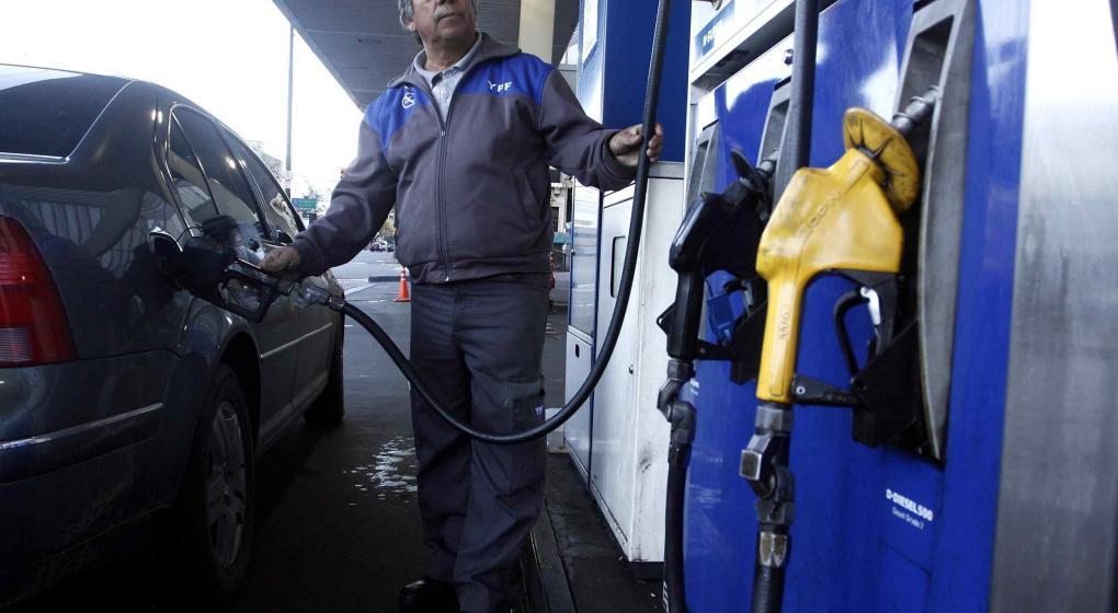 Para expendedores, precio de combustible subirá entre 7 y 10% tras elecciones