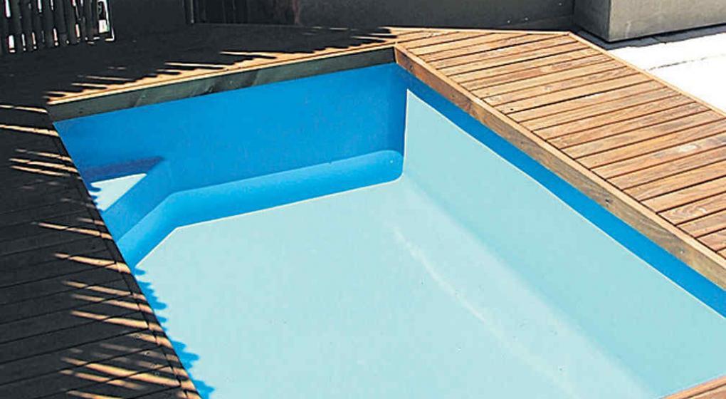 Pintura para piscinas de fibra best pintura al agua para for Cuanto cuesta una pileta de material
