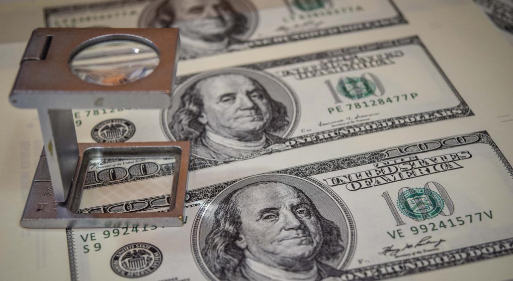 El dólar sigue subiendo y alcanza un nuevo récord: 16,27 pesos