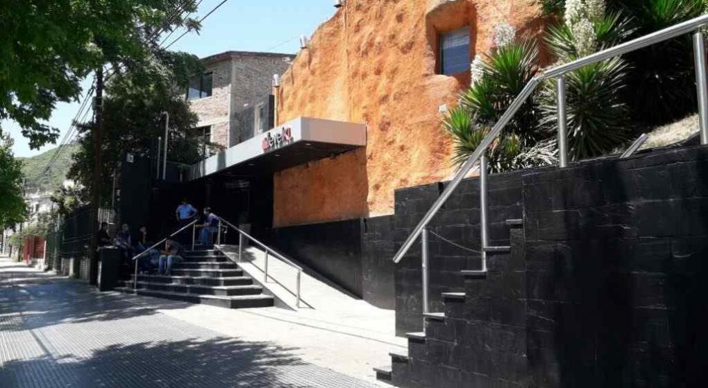 Muere una joven rosarina en boliche de Carlos Paz