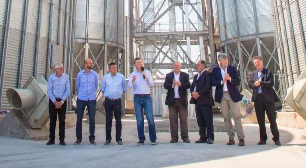 Con urqu a macri dej inaugurada la planta de cargas de for Ministerio del interior y transporte de la nacion