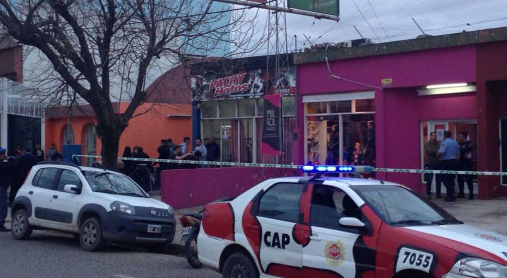 Asesinan a una mujer de más de 20 puñaladas en Córdoba