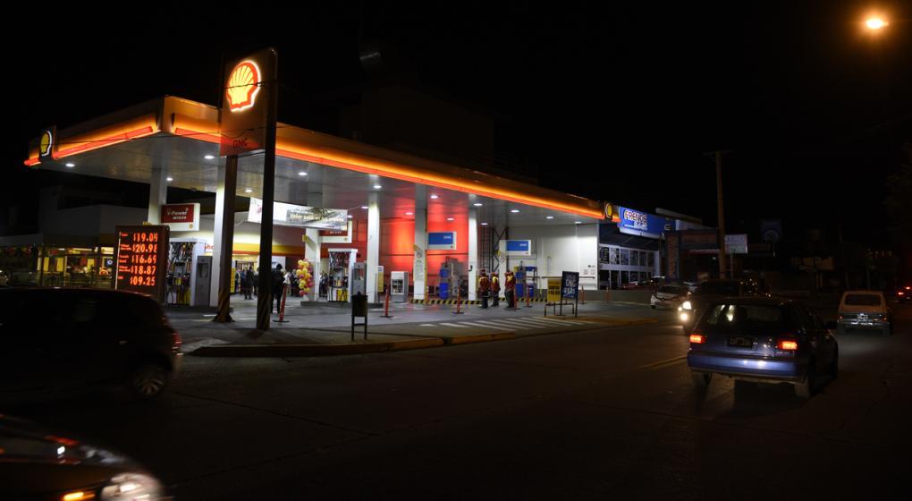 Comenzó el finde largo: falta nafta en las estaciones de servicio