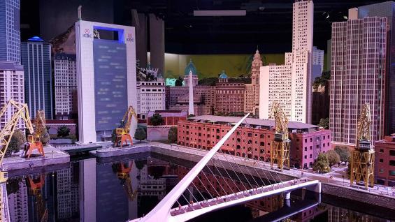 Puerto Madero. Una de las miniaturas del museo de miniaturas Gulliver´s Gate. (La Voz)