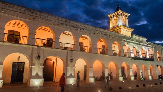 Cabildo. Si bien sufrió modificaciones arquitectónicas, es considerado el más completo y mejor conservado de la Argentina. (Matyas Rehak / 123RF)