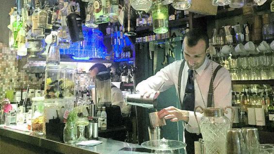 Cantidad y variedad en las barras de los bares y restaurantes.
