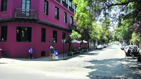 Barrio Lastarria. Conserva las casas originales de las primeras familias de Santiago. (fotografías de Christian Quinteros )