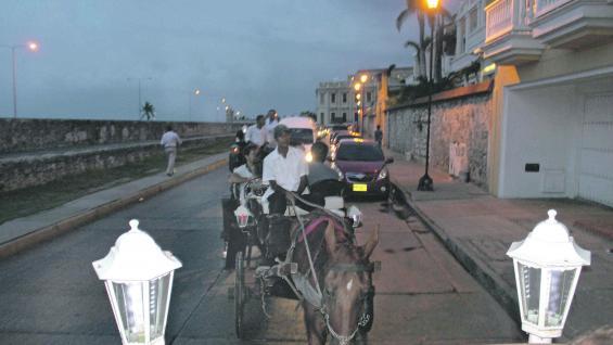 Románticos paseos en los clásicos carruajes que recorren el centro histórico.