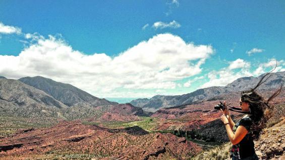 Cuesta de Miranda es un conector vial fundamental para recorrer los pueblos del Valle del Bermejo, llenos de historia y entre coloridos paisajes de altura.