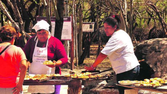 Feria de Upianita, donde confluyen artesanos y productores.