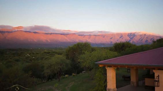 Vista privilegiada e imponente del cerro Champaquí, desde la posada La Matilde. (La Matilde)