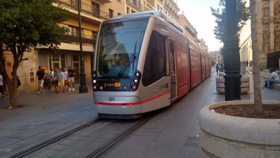 Los modernos tranvías en los cuales se puede recorrer la ciudad. (Juan Carlos Lopresti)