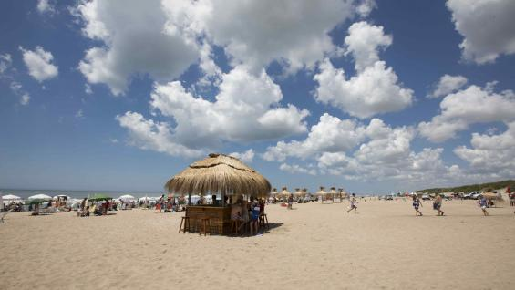 Playa Agreste, en Ostende, un paraíso para disfrutar en familia. (Mario Cherrutti)