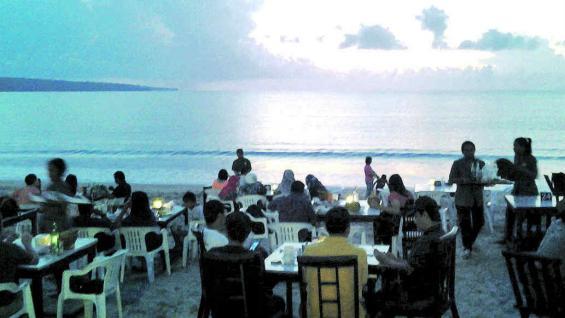 """Al regreso, un merecido descanso en la isla de Bali, cuyas playas se conocen como el """"Caribe asiático""""."""