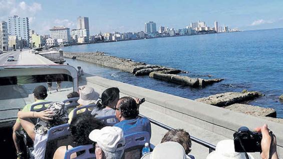 El Malecón, parte del recorrido del Habana Bus Tour.