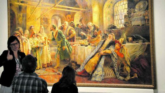 Museo de Arte Ruso. Un centenar de óleos cautiva a los visitantes.