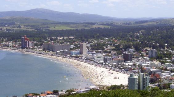 Piriápolis. Vista panorámica de una de las ciudades de la región Este.