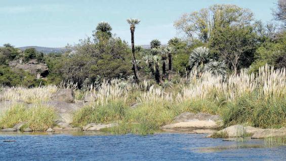 Río Jaime, en un entorno natural donde surgen senderos que conducen a canteras abandonadas.