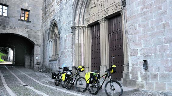 """Roncesvalles, Navarra, en la altura de los Pirineos, donde comenzó este viaje de 13 días a lo largo de la llamada """"ruta francesa"""" del Camino de Santiago."""
