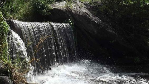 Agua pura. Río, arroyos y cascadas surcan el lugar (LaVoz)