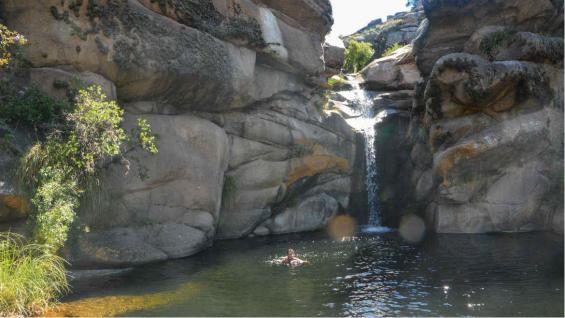 La larga caminata vale la pena para llegar a una cascada inmersa en el silencio. (Juan Montiel)