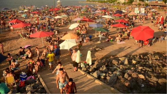 La playa de Miramar en todo su esplendor. (Samanta Àlvarez)