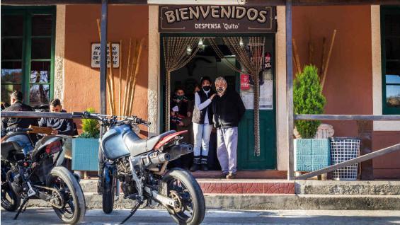 El Quito, El Cóndor y El Cuadrado son algunos de los paradores que invitan a los viajeros a hacer un alto en el camino. (@carchercoles)