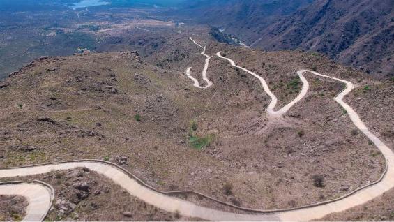 Vista desde el aire de la cuesta larga, en San Luis. (Huellas Turismo)