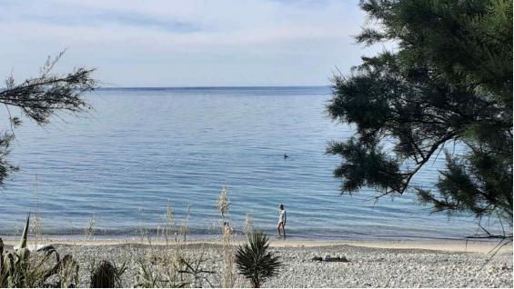 Scilia prepara sus playas para los italianos. (Carla Oller)