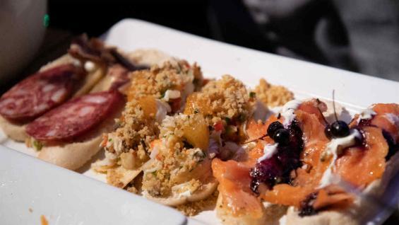 La gastronomía típica del sur, con la centolla y la merluza negra como protagonistas.