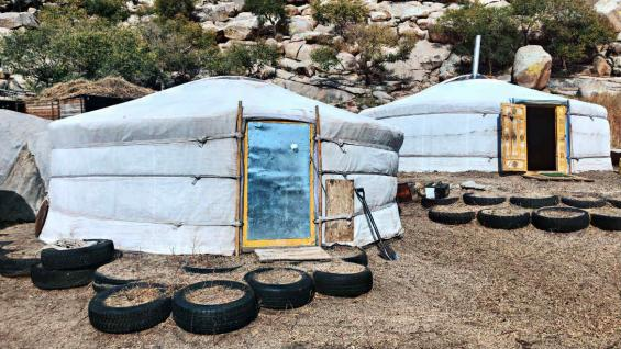 El paso entre fronteras es maravilloso y ofrece diferentes espectáculos, como los campamentos nómades. (Marina Tortorella)