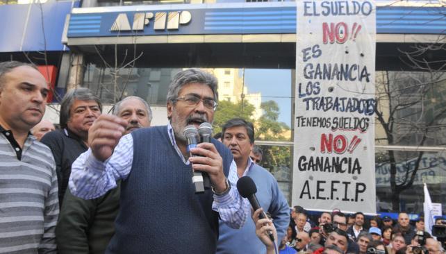 Críticos. José Pihen, titular de la CGT, y Juan Monserrat (UEPC) objetaron cómo se lanzó el paro (Raimundo Viñuelas/Lavoz).