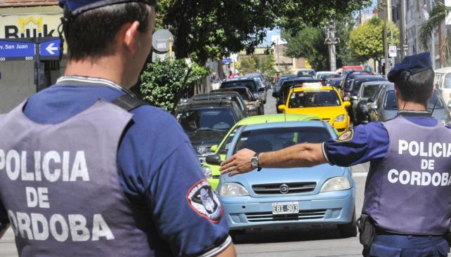 Investigación. Si bien se sospecha de policías, por el robo del expediente también se piensa que podría haber civiles implicados (Archivo).