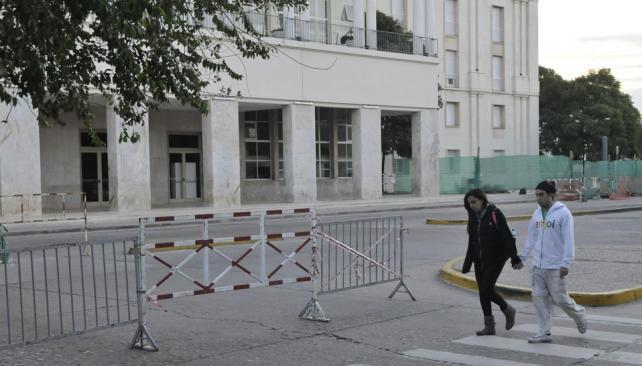 Pabellón Argentina. Obras en marcha en el ala oeste, donde habrá una plaza y más estacionamiento (Pedro Castillo / La Voz).