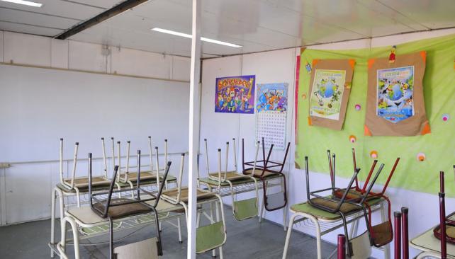 CLASES. Las aulas están vacías esperando a los alumnos (Archivo).